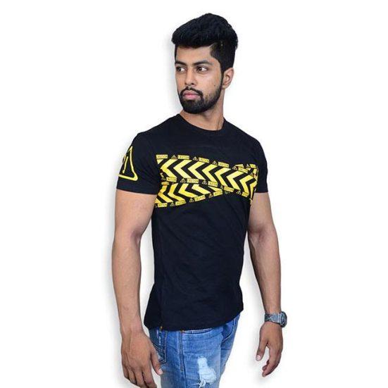 uk-103-2-1-551x551 Graphic T-shirts